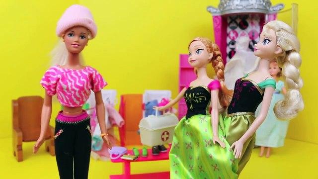 Frozen Elsa & Anna Clothes Shopping with BARBIE!!! Barbie Parody Closet Sitting Part 3 DisneyCarToys