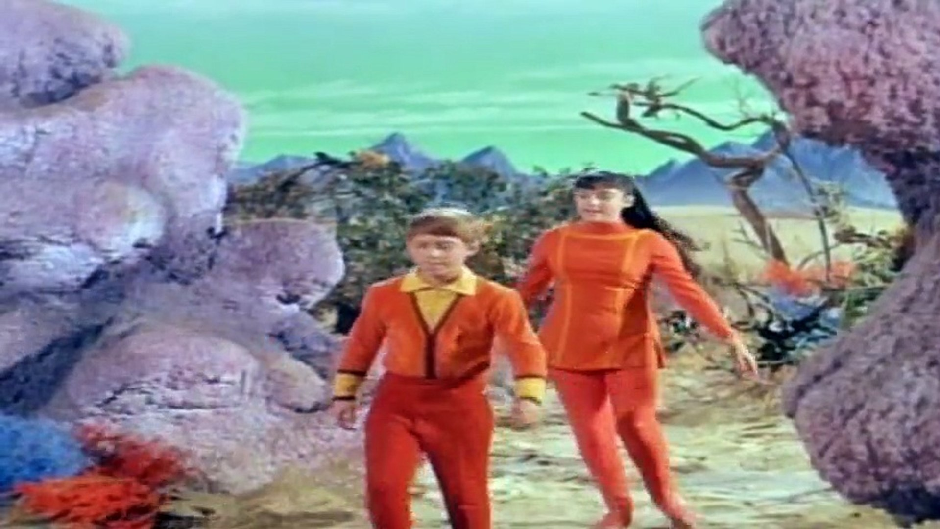 Lost in Space   S2E09 - The Thief From Outer Space