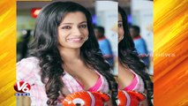 Trisha Signs Her First Malayalam Film Opposite Nivin Pauly | Tollywood Gossips | V6 News