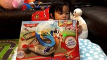 Disney Planes - Air Dare Loop - Micro Drifters - Dustry Crophopper - Unboxing by FamilyToyReview