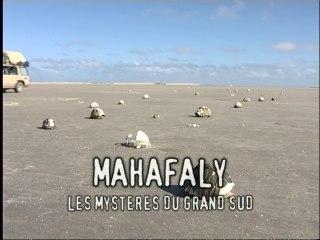 Latitude Malgache - Mahafaly. Dernier refuge d'un géant - Madagascar