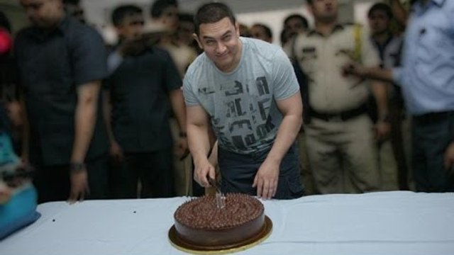 Aamir Khan Celebrates His 50th Birthday A Day Before