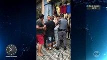Em São Paulo, policiais e comerciantes se envolvem em briga
