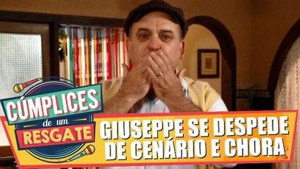 Ator Vicentini Gomez chora ao se despedir de cenário de Cúmplices