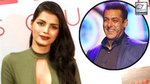 Ex Bigg Boss contestant Sonali Raut expressed her desire to work with superstar and Bigg Boss host Salman Khan.