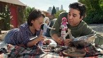 Des papas jouent à la Barbie avec leurs filles dans la dernière publicité de Mattel
