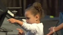 WATCH: Riley Curry Gets Into Dab-Off with Fan at Dad Steph's Jersey Retirement