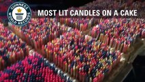 Ils font un gâteau d'anniversaire géant avec… 72 585 bougies
