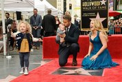 Ryan Reynolds recibe su estrella en el Paseo de la Fama de Hollywood