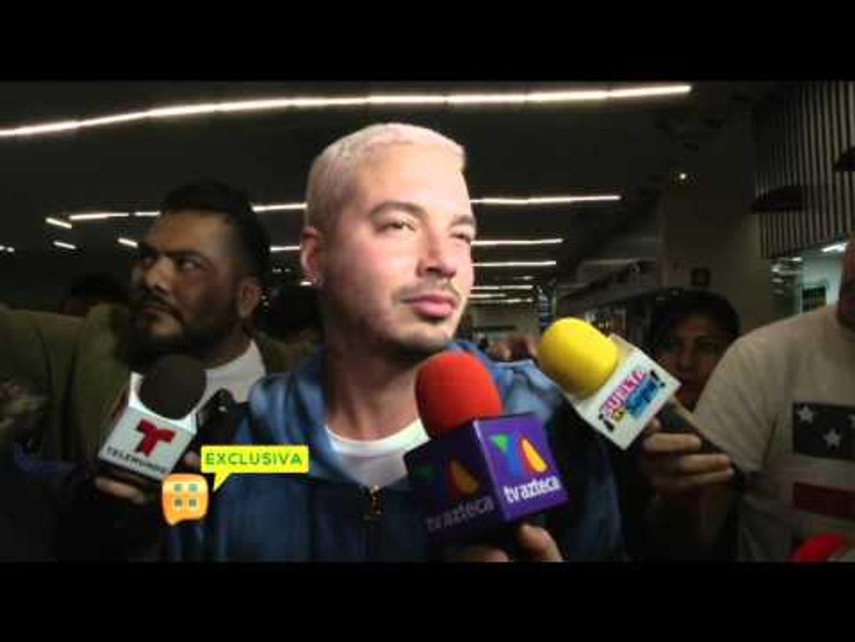 J Balvin conmovido en el aeropuerto de la Ciudad de México