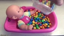Learn Colors Baby Doll Bath Time M&Ms Chocolate Candy How to Bath Baby Videos Toddler Pretend Play