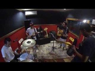 Tatasurya - Selimutilah Dirimu @ Pekanmaya Studio