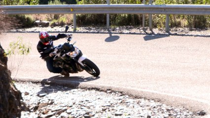 Vidéo Kawasaki Z650 action