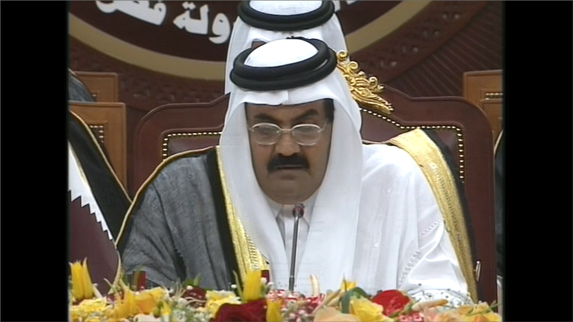 أرشيف-القمة الخليجية تنعقد بغياب البحرين