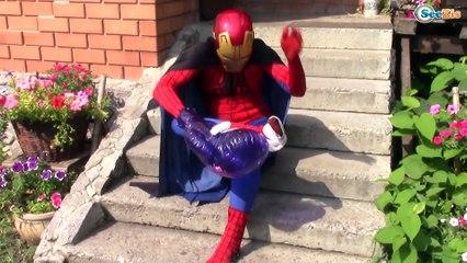 A FOOD FIGHT!! Frozen Elsa and Spiderman breakup? Joker eats giant candy
