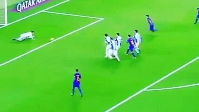 Leo Messi incredible dribbling with 6 players