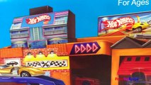 HOTWHEELS STO N GO PLAYSET WITH CARS PORTABLE VINTAGE GARAGES PARKING SERVICE CENTER GAS STATION