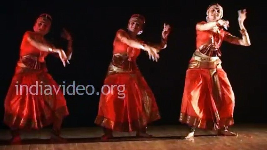 Bharatanatyam Danec by Mallika Sarabhai - Sampradayam