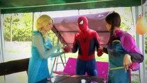 Is Spiderman Kissing Anna?! w/ Frozen Elsa & Anna, Pink Spidergirl & Joker