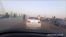UFO Alien Sightings 2016. Real UFO Over China Freeway Makes Traffic Come To Stop