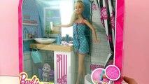 Salle de bain Deluxe Barbie avec douche, lavabo, miroir