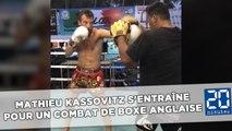 Mathieu Kassovitz s'entraîne pour un combat de boxe anglaise