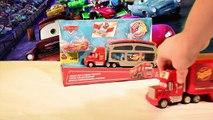 Camions et Flash McQueen de Disney Cars 2   Camion Mack change la couleur de Flash McQueen !