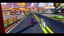 Spiderman & Sam Flynn Tron Legacy ride their bikes & have Fun + Hulk race Disney Cars Mcqueen !