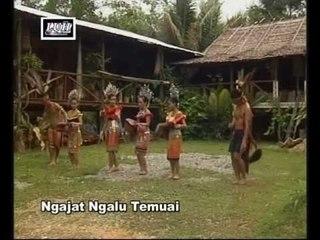 Ngajat Ngalu Temuai - Victoria, Prishiela, Sonia & Anathasha