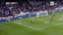 Alex Sndro (Juventus) crazy nutmeg skill vs Suso (AC Milan) - Juventus vs Milan 1-0 23-12-2016 (HD)
