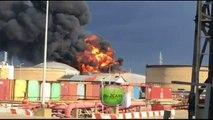 حيفا : حريق كبير في مصانع تكرير النفط وطواقم الاطفاء لا تستطيع السيطرة