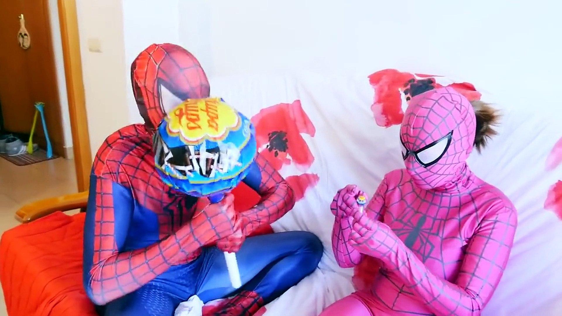 SPIDERMAN vs PINK SPIDERGIRL! Gummy JOKER TONGUE Giant Lollipop PART 3