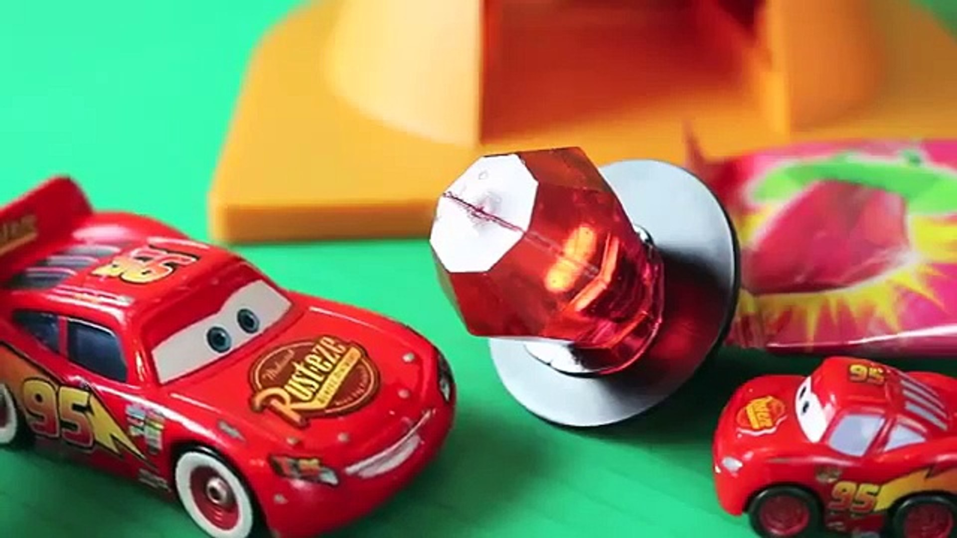 Play Doh Candy Ring Pop with Disney Cars Lightning McQueen Family Play Doh Tutorial DisneyCarToys