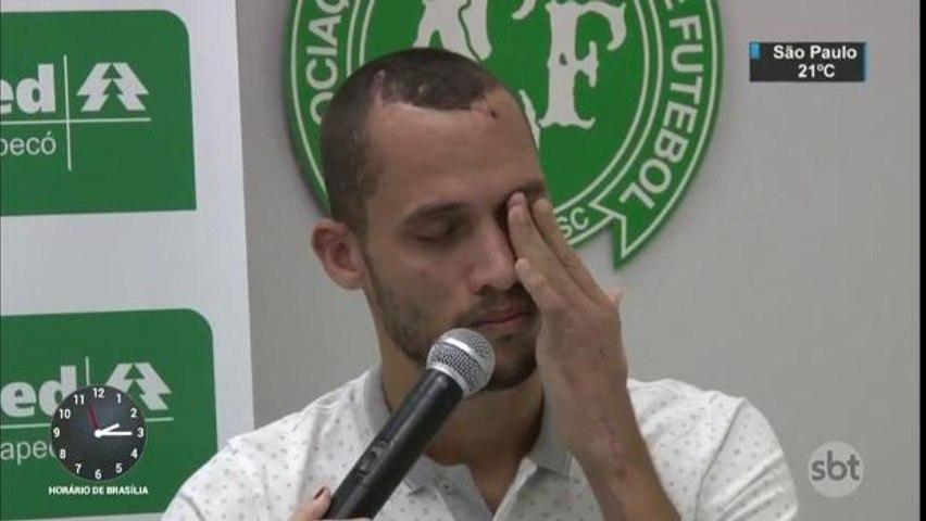 Zagueiro Neto deixa hospital e vai para casa