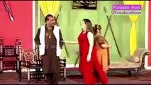 DEEDAR Garam _ BRAND NEW PAKISTANI STAGE DRAMA 2016 _ Best Punjabi Stage Drama Full Comedy Clip-Fbpe7cyXMJY
