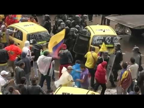 Taxi drivers in Colombia demonstrate against Uber taxi app