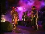 Deee Lite - Groove Is In The Heart (Live)
