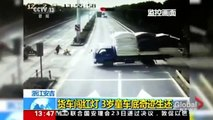 Toddler astonishingly unharmed after being hit by truck in China!!!!-ClKp-6wM3k4