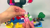 Mickey Mouse Clubhouse Jugando con Peppa Pig Minnie Avión Tren Playmobil Playing with Train