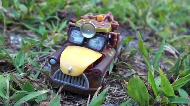 Disney Cars Mater Backwards Driving Cow Tipping, Tow Mater Cars Toy