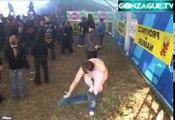 DEFI  pogo en tutu dans un festival de Metal