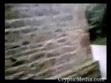 fantome derriere une eglise