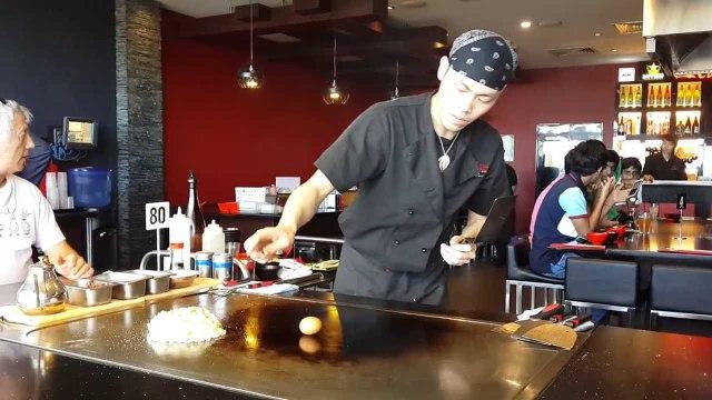 TEPPANYAKI FRIED RICE - Chef Preparing Japanese Egg and Chicken Fried Rice