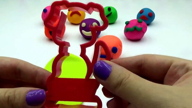 Play Doh Smiley Face with Dog, Kat Cookie Cutters Fun and Creative for Children
