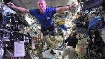 L'équipage de la Station spatiale internationale fait un Mannequin Challenge