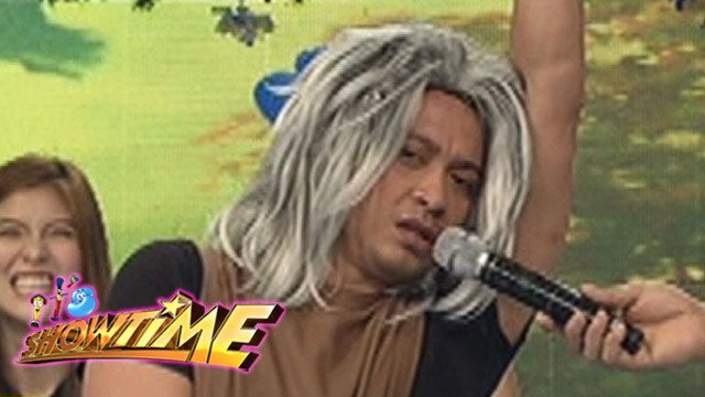 It's Showtime: English 101 with Jhong Hilario
