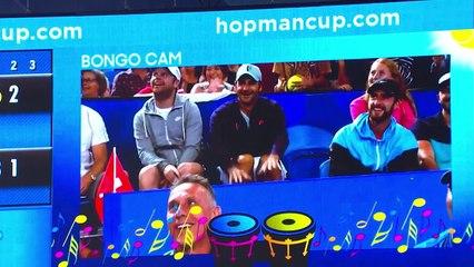 """Duelo de gerações! Roger Federer e Alexander Zverev entraram na brincadeira da """"Bongo Cam"""""""