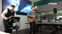 Broken Back chante « Halcyon Birds » en live au Parisien