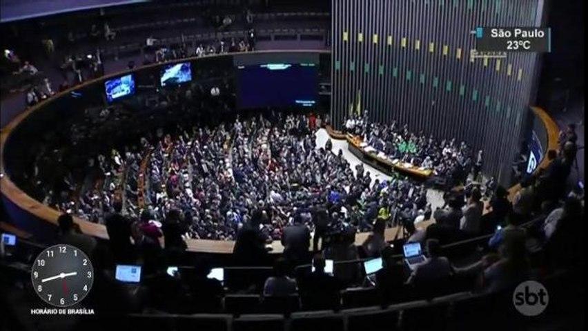 Relembre as confusões dos políticos no Congresso Nacional