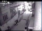 Deux hommes en scooters agressent une femme à Bangalore - Révoltant